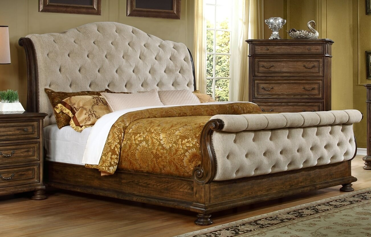 Tufted Sleigh Bed, Look Very Luxury