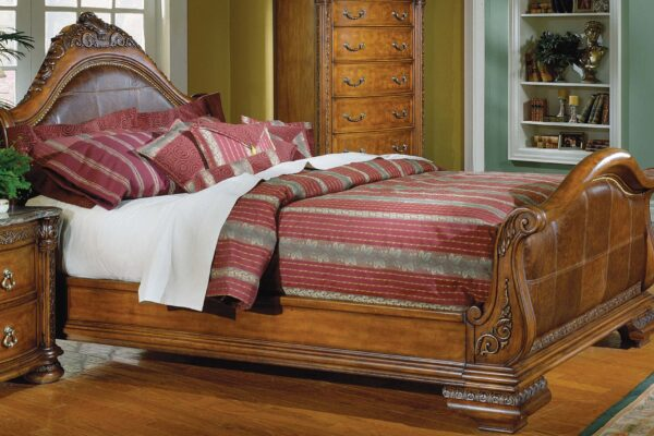 Antique Sleigh Beds to Accomplish Vintage Bedroom Decoration