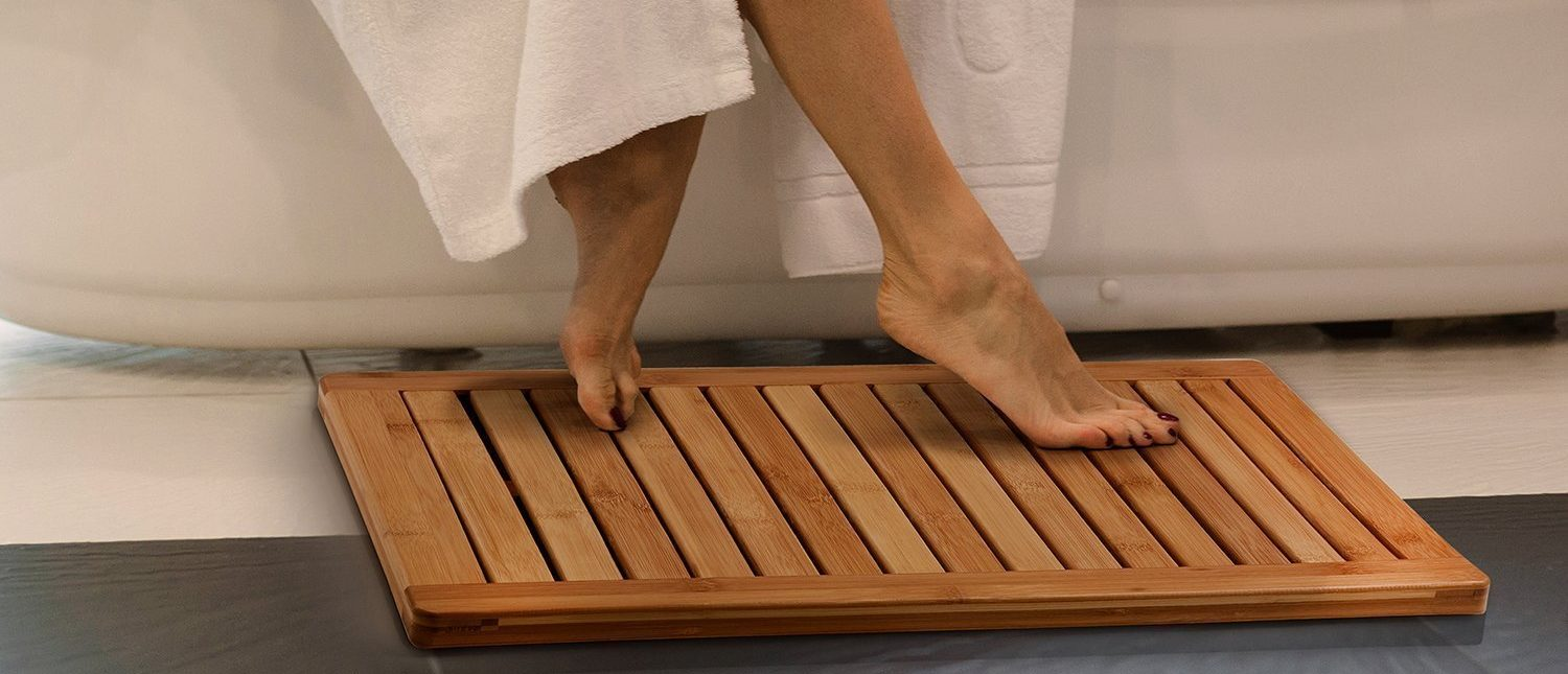 Stylish Bamboo Bath Mat on a Budget