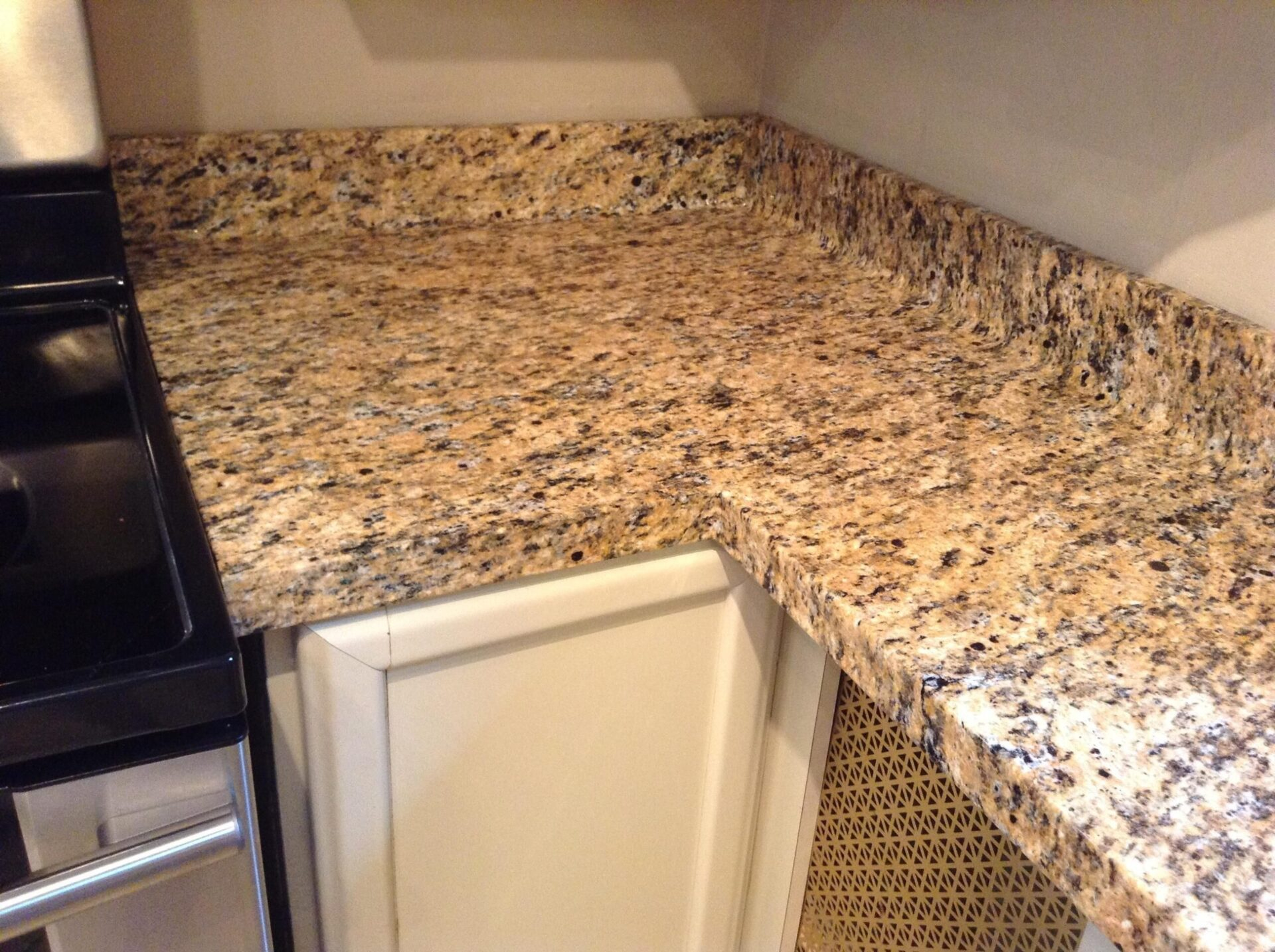 Home Improvement Project: Faux Granite Countertop for kitchen