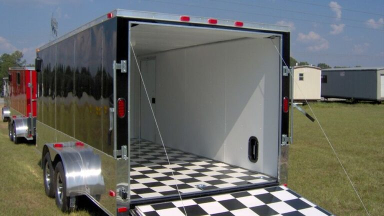 Two Kinds of Enclosed Motorcycle Trailer
