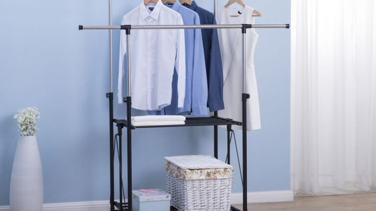 Quilt Rack for Hanging Clothes