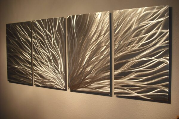 Makes Your Home Interior Looks Amazing with Metal Wall Decor