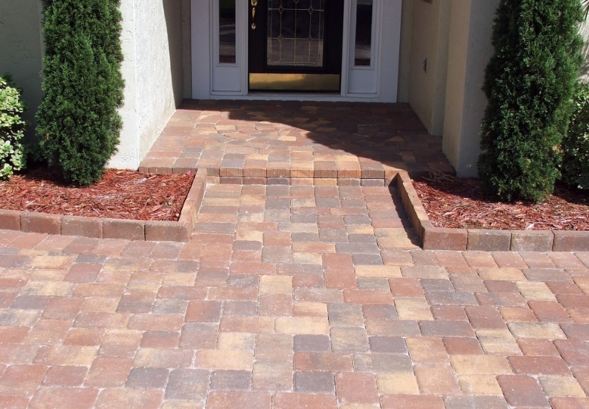 Brick Pavers That Are Exact for Outdoor Path