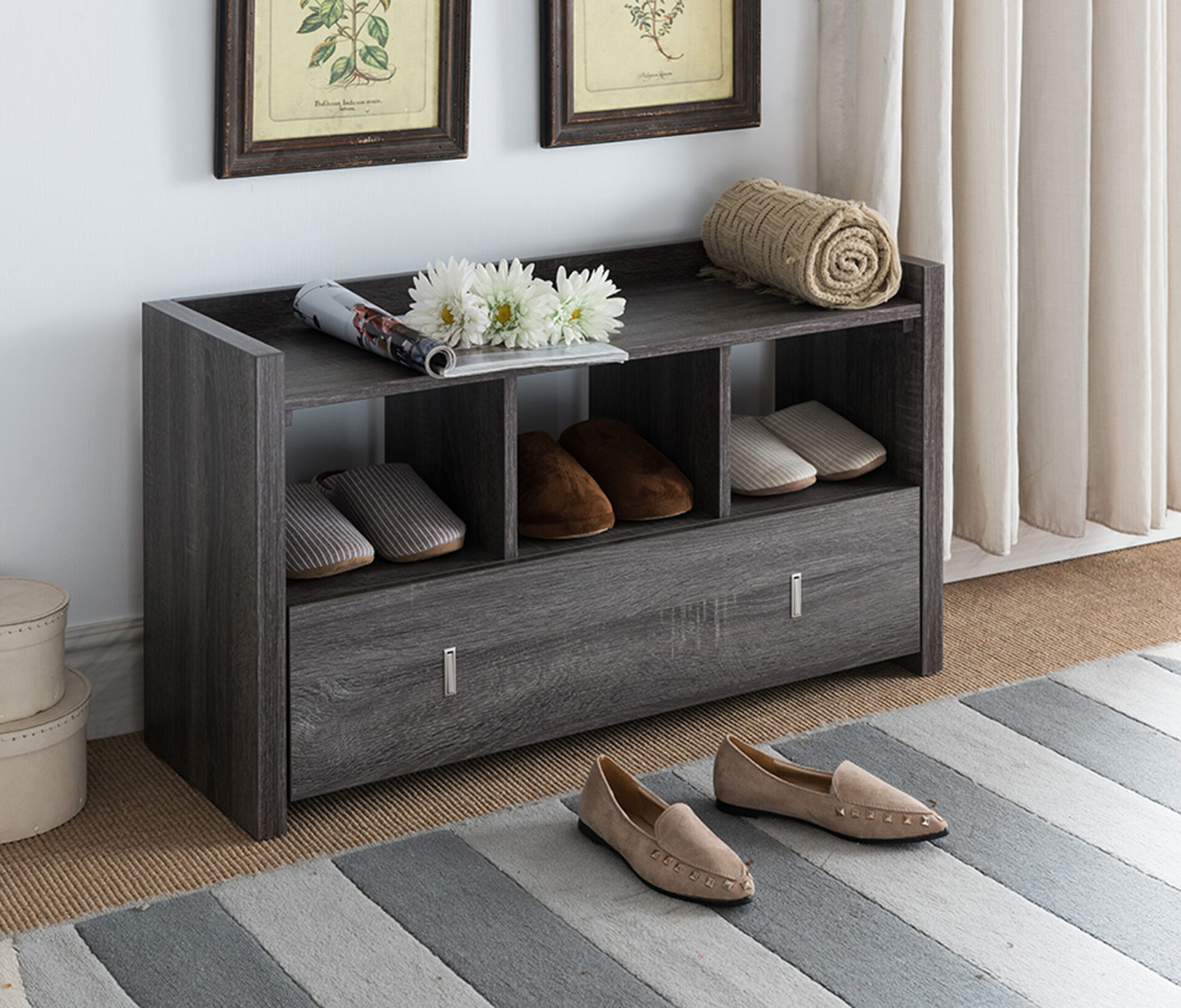 Shoe Storage Bench for Arranging the Shoes