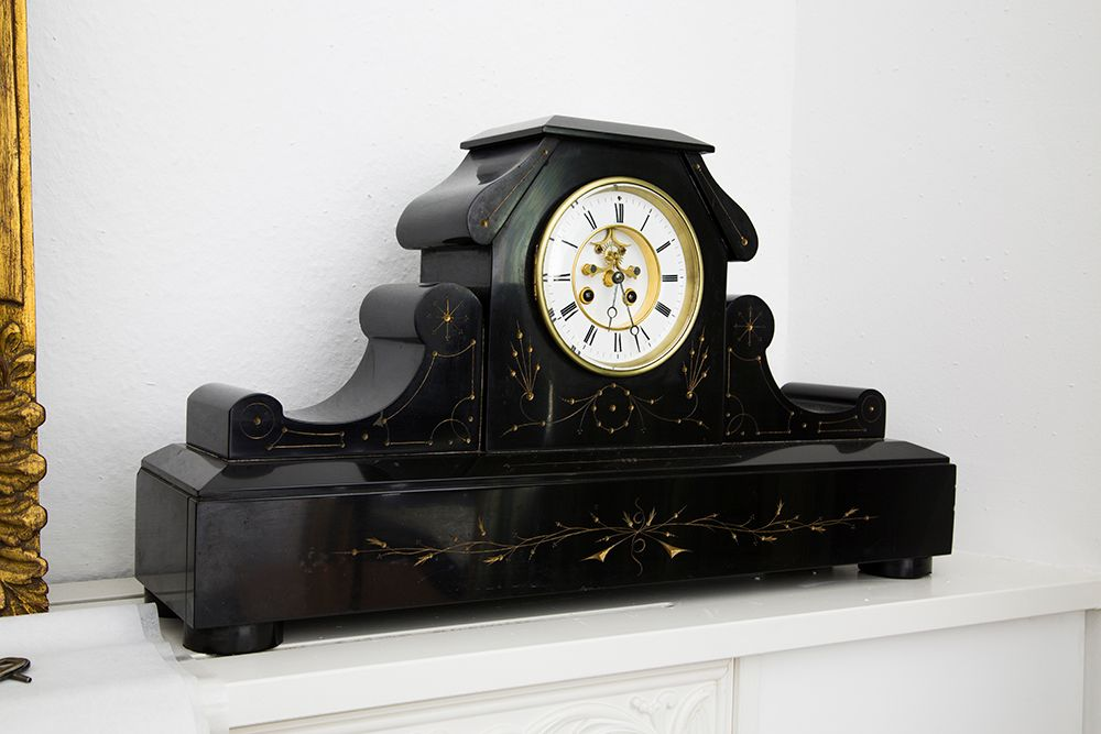 Mantel Clocks That Bring Nostalgic Nuances into Your Homes