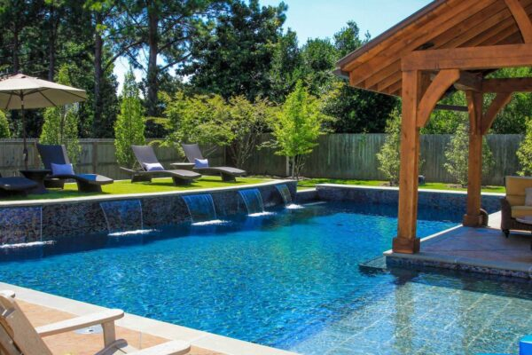Backyard Pool Designs for Fascinating Garden Atmosphere