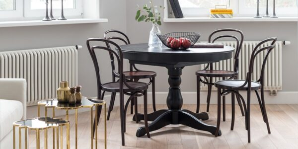 4 Decorating Ideas Using Bentwood Chairs in Your Living Rooms