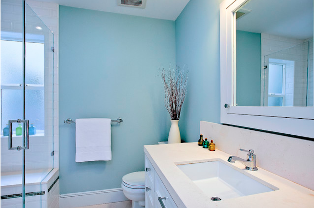 bathroom with blue painted walls