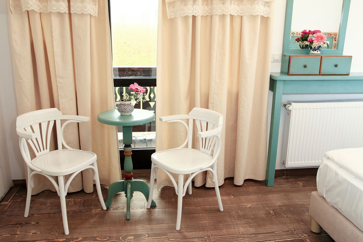 Bentwood Chairs near round table